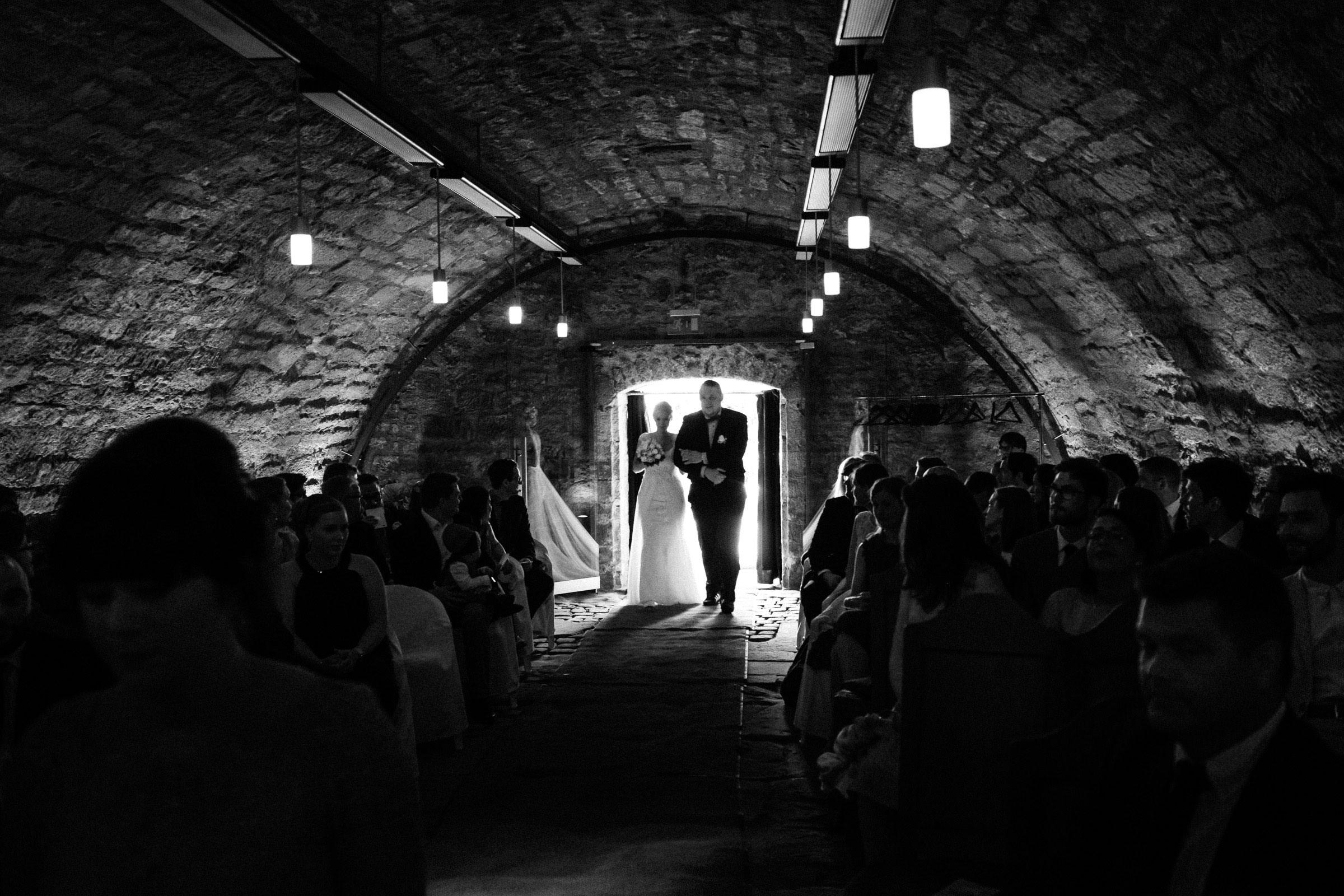 Einzug der Braut in der Burgruine Hardenberg