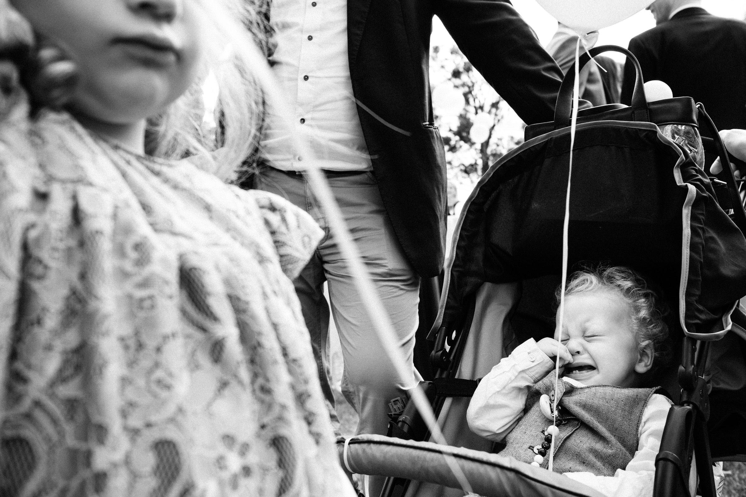 Weinendes Kind auf der Hochzeitsfeier in Hardenberg